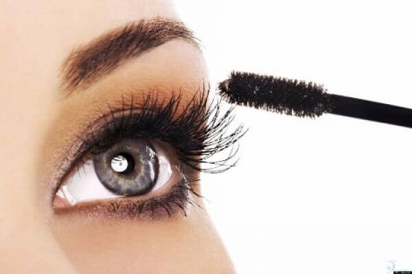 The 5 Rules of Luscious Lashes